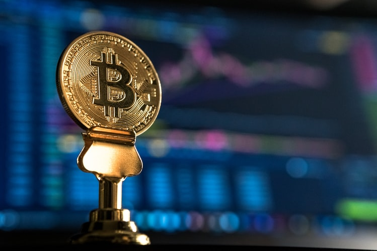 Bitcoin reversal trend incoming or breakout imminent? Here's a breakdown of the chances